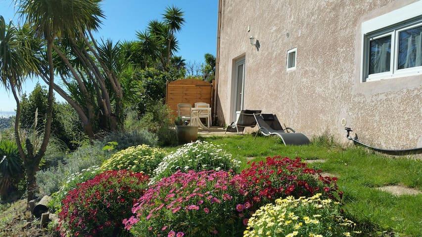 2 pièces neuf... entre Terre et Mer - Castellar - Apartment
