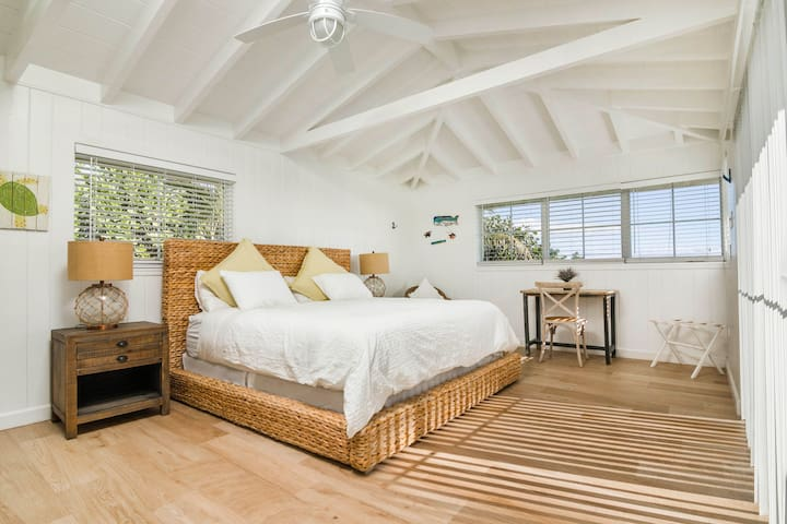Master Bedroom with King Stearns & Foster Luxury bed and ocean view.