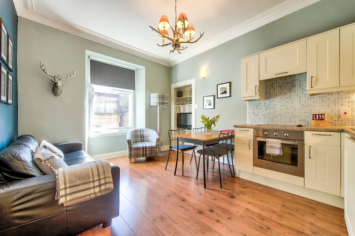 Secure Retreat for 4 in the Heart of the City