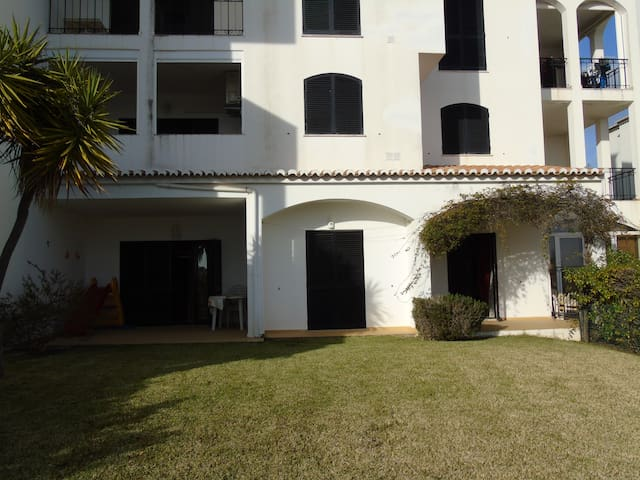 Holiday Home 500mt from the Beach - Portimão - Hus