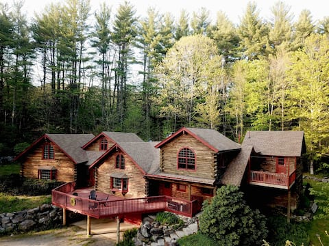 Iconic Cabin in the Berkshires