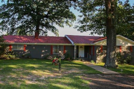 The Ranch House at Lake O' the Pines