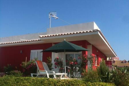 Bella villa con vista mare & Wifi