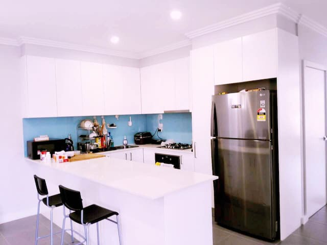 2new bedrooms good location两间卧室交通方便 - Toongabbie - House
