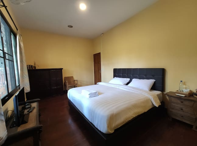 5x4 Private room with share bathroom near Airport