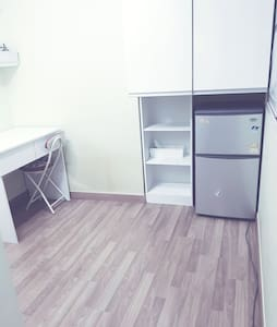 Small studio with no bed-2min with Hanyang Uni stn