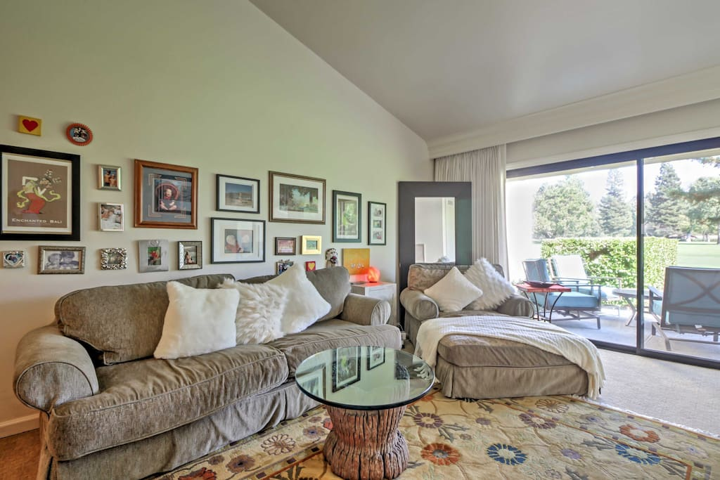 Kick back in the inviting living room after a day on the fairways.