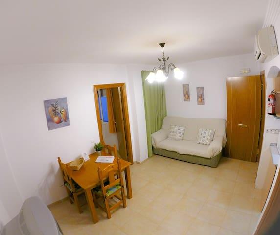 Cheap apartment Nerja for rent. 1C