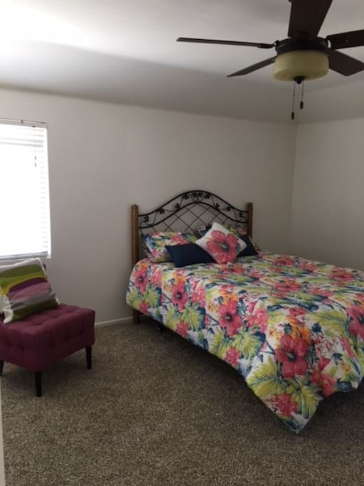 Queen size bed, TV cable, loft attached for extra bed