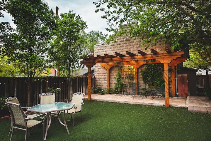Carriage House - Extended Stay (JUST RE-LISTED)