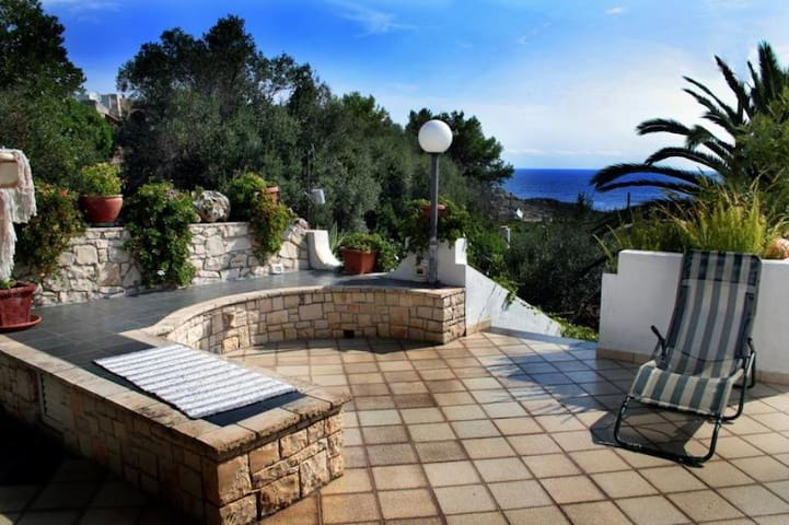 WONDERFUL VILLA CLOSE TO THE SEA - marina di novaglie