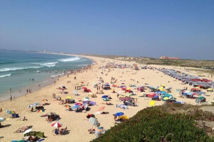 Praia da Consolação / Supertubos, Détente, baignade, Surf et Kit Surf