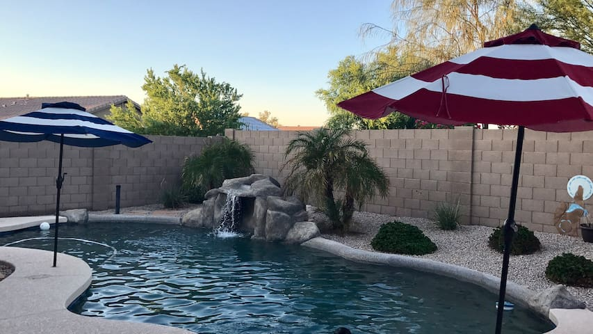 Room available at house with pool & outdoor grill