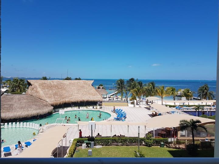 HOTEL ZONE - OCEAN VIEW STUDIO #327
