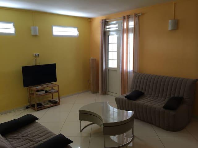 Capucine, bel appartement à 100 m de la plage