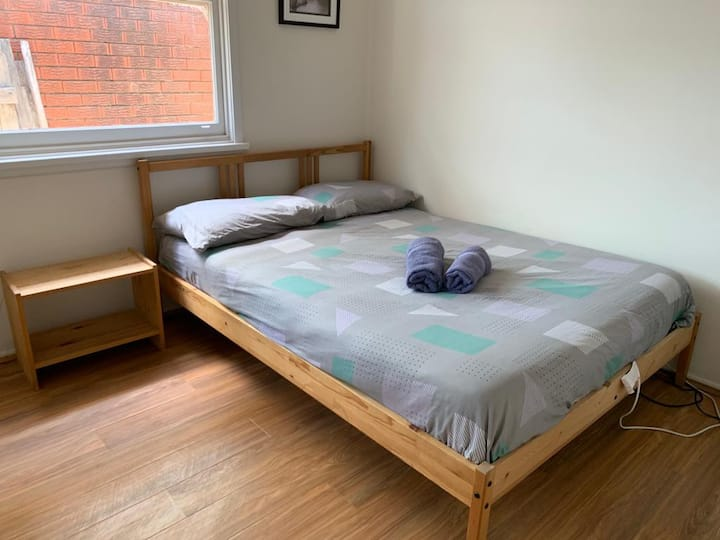 Double Bed In A Beautiful House Near Westmead