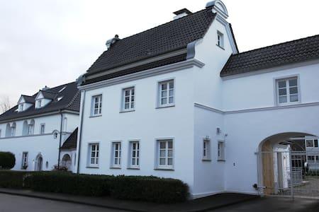 Villa Waschhaus - Monheim am Rhein - Villa
