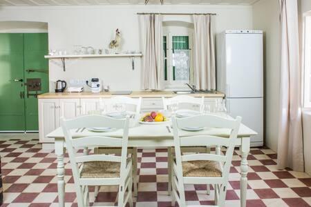Dream vacations at Teacher's suite by Ionian sea! - Spartochori - Apartamento