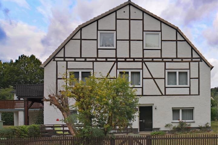 Cozy Apartment in Marsberg with Lawn