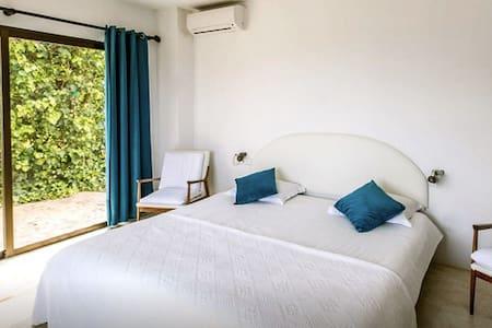 lovely room in a wonderful villa S - Sant Joan de Labritja