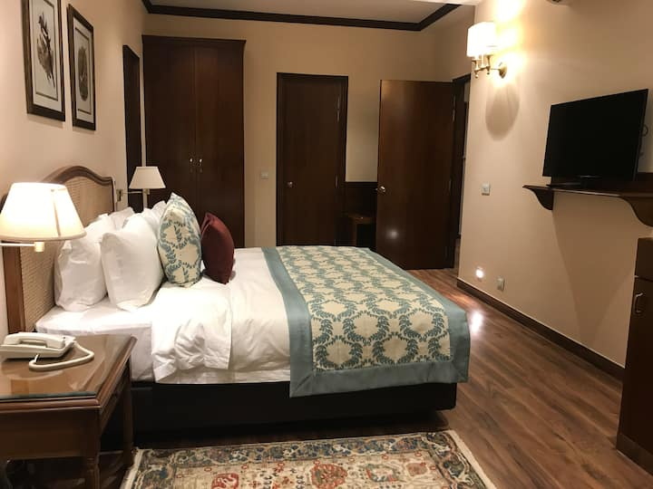 Suite Room (Bara Bungalow Kasauli) Near Mall Road
