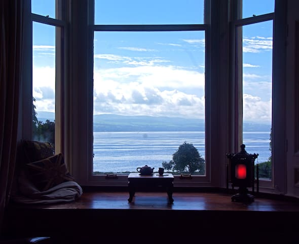 Two rooms at Dunfeurach, by the water's edge - Innellan - Casa