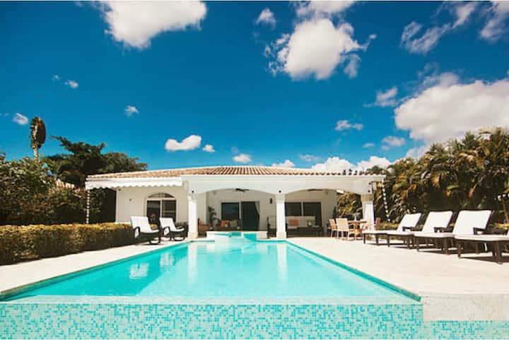 Hermosa Villa Paraiso de Lujo