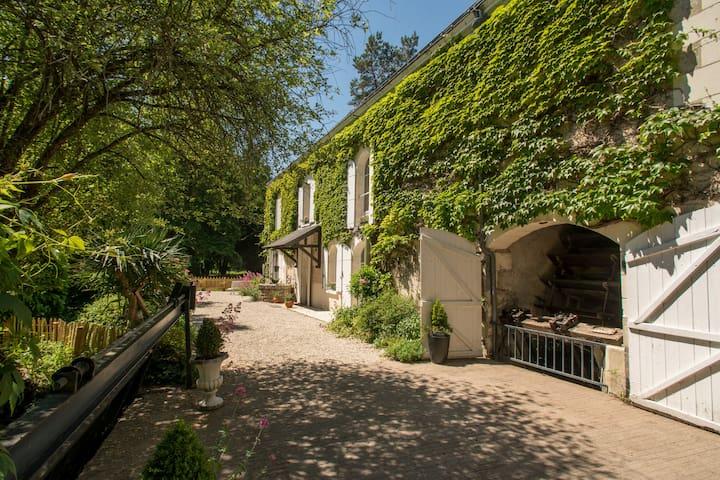2Charme et authenticité pour ce moulin en Touraine