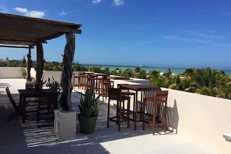 Progreso, Playa Chaca, Walk to the Water, Sleeps 4 - Progreso
