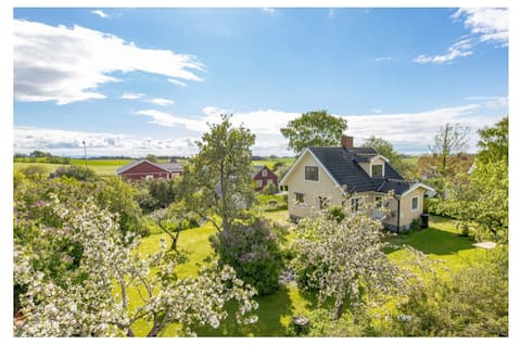 Classic swedish house 5 min from the beach