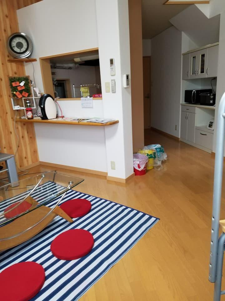 金沢駅から近く家族やお子様連れ、グループ団体様にも最適。敷地内無料駐車場2台