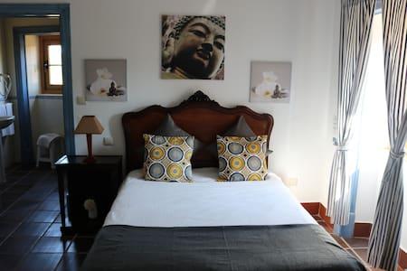 Amazing private room, Quinta da Azenha, Obidos