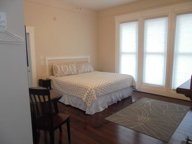 Lake Huron Lodge Suite 1