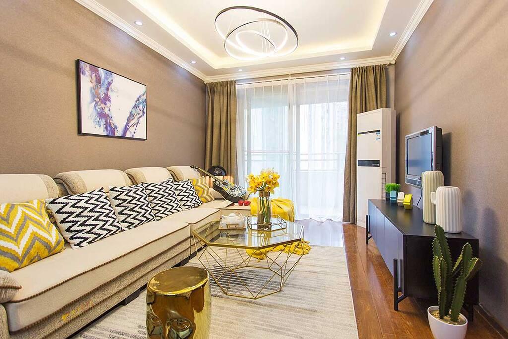干净明亮的客厅