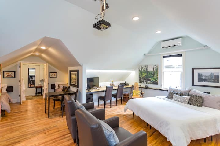 Cozy, Private, in Germantown, Doorstep to Downtown