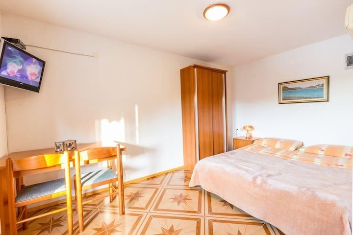 Pansion Mali Raj - Goveđari - Apartment
