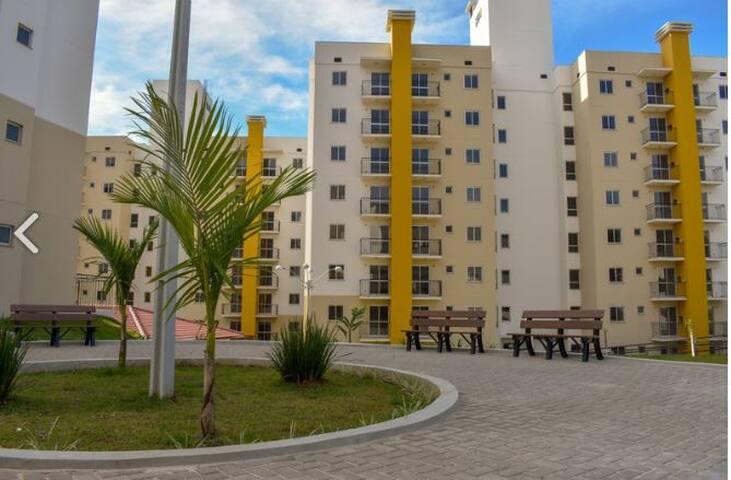 Apartamento em Condomínio fechado prox do Hospital