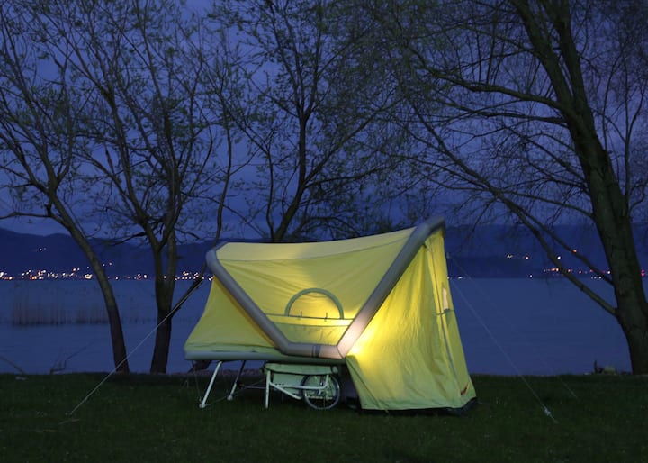 Mobiles aufblasbares  Zelt incl Fahrradanhänger