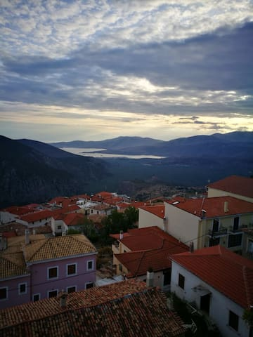 Delphi Panoramic view 3