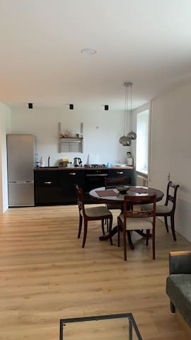 3 rooms Apartment near Old town and Airport