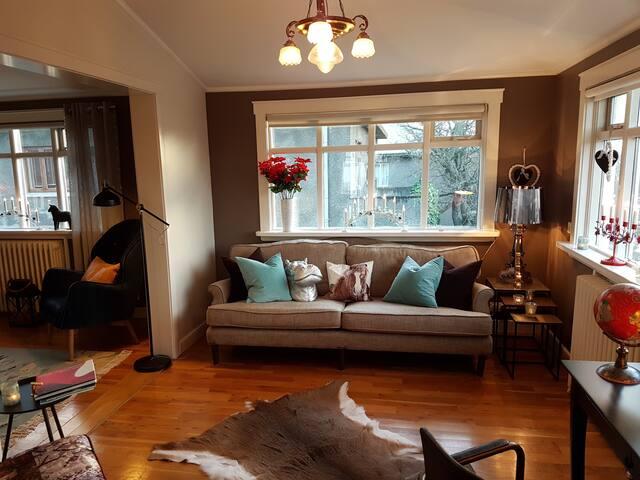 Lovely 2 bedrooms in most exclusive part of town - Reykjavík - Apartemen