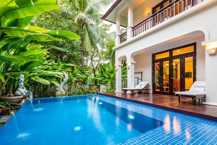 Premium 4 BR Villas*Private Pool*1min To Main Pool