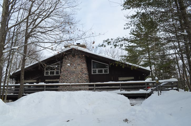 Lodge cabin in the woods of Cable, WI