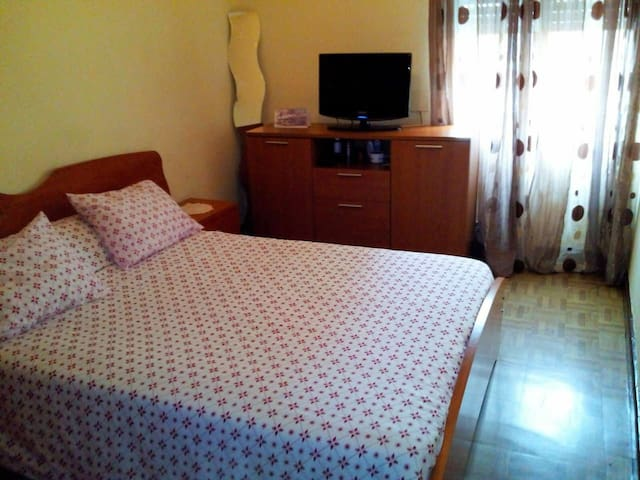 2 ROOMS 5 min BILBAO CENTER & BEC