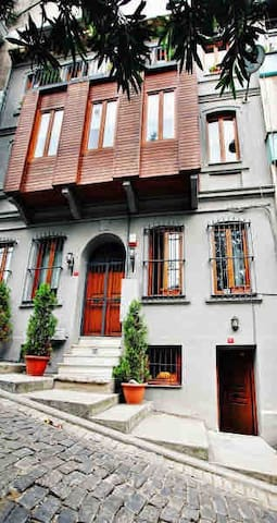Exclusive Historical Studio in Galata