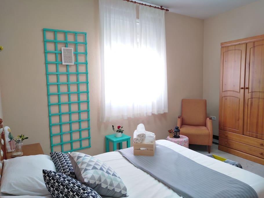Dormitorio1 de Isadora.  Isadora´s bedroom.