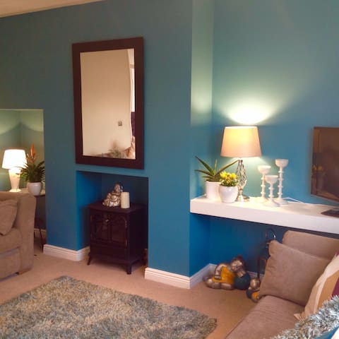 FABULOUS HOME 600 REVIEWS FROM £60