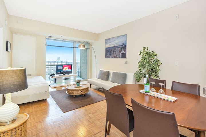 Dharma | Jersey City | Relaxing 1BR + City Views