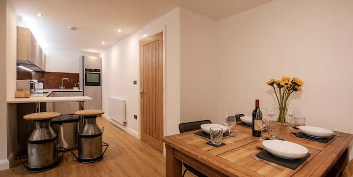 Serviced Apartment in Premier location