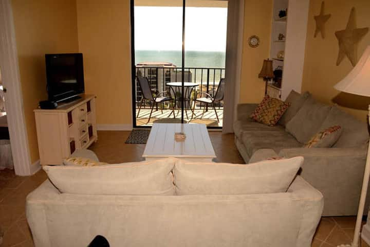 Holiday Towers 1405 Nice 2 Bedroom Condo With Outdoor Pool And Hot Tub
